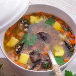 slow cooker mushroom-barley soup recipe