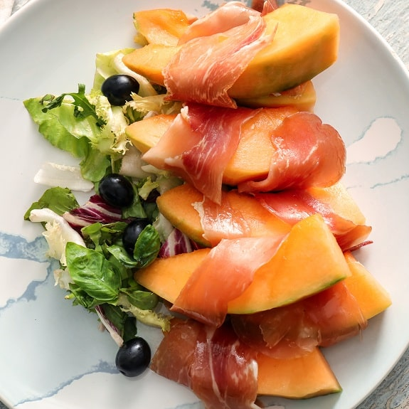 prosciutto-wrapped melon appetizer recipe