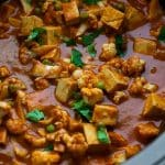 crock pot vegan tikka masala recipe Tofu with vegetables and spices cooked in a slow cooker. #slowcooker #crockpot #healthy #lowcarb #dinner #vegan #vegetarian