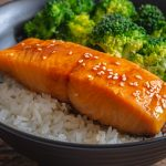 Instant pot salmon fillets with broccoli. Learn how to cook delicious salmon fillets with broccoli in an instant pot. Must try it! #pressurecooker #instantpot #salmon #dinner #homemade #easy