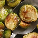Air fryer balsamic Brussels sprouts recipe. Learn how to cook easy and healthy brussels sprouts in an air fryer. #airfryer #vegetarian #easy #healthy #dinner