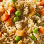 Instant pot vegetarian Chinese fried rice recipe. Learn how to cook healthy and delicious rice with vegetables in an instant pot. #pressurecooker #instantpot #rice #dinner #vegetarian #vegan #healthy